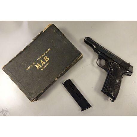 Pistolet MAB D calibre 7.65 en 9 coups Type III